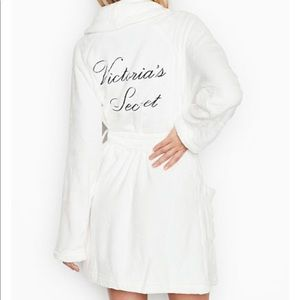 VICTORIAS SECRET white robe XS/S